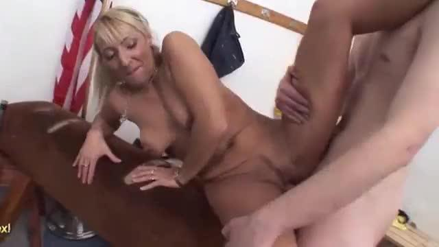 Teacher shows her pupil how to fuck
